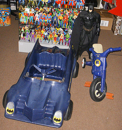 Empire Ride-on Batmobile and cycle