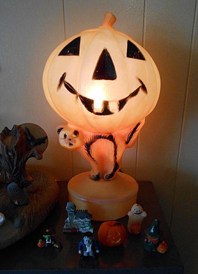 Jack O Lantern blow mold light