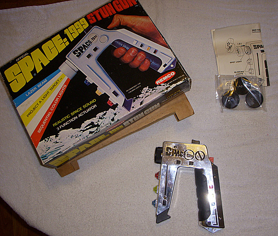 Space 1999 Stun Gun http://megomuseum.com/community/showthread.php?77748-For-Sale-Mego-Meet-Mightor-ML-Hawkeye-Transformers-Space-1999-DCUC