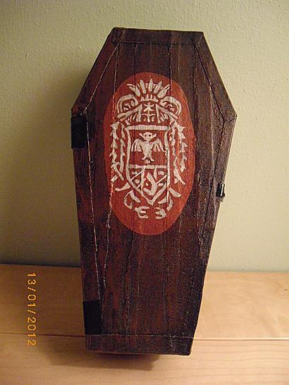 coffinboxdrac1