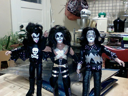 KISS Destroys the kitchen